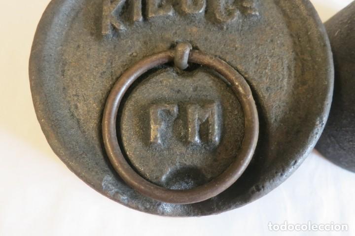 Antigüedades: pesas de 10 y 5 kilos F M selladas y contrastadas - Foto 2 - 288011858