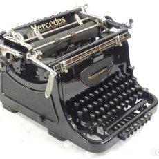 Antigüedades: RARA!!! MAQUINA DE ESCRIBIR MERCEDES 8 AÑO 1939 TYPEWRITER SCHREIBMASCHINE A ECRIRE. Lote 288039428