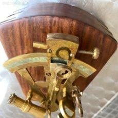 Antigüedades: ANTIGUO SEXTANTE NÁUTICO CON CAJA DE MADERA.. Lote 288058643