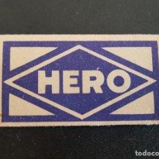 Antigüedades: HOJA DE AFEITAR ANTIGUA HERO. FUNDA + HOJA. PERFECTA. Lote 288080733