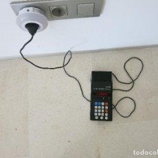 Antigüedades: CALCULADORA VANGUARD X-802 ELECTRONIC CON TRANSFORMADOR FUNCIONANDO SIN PROBLEMAS. Lote 288329698