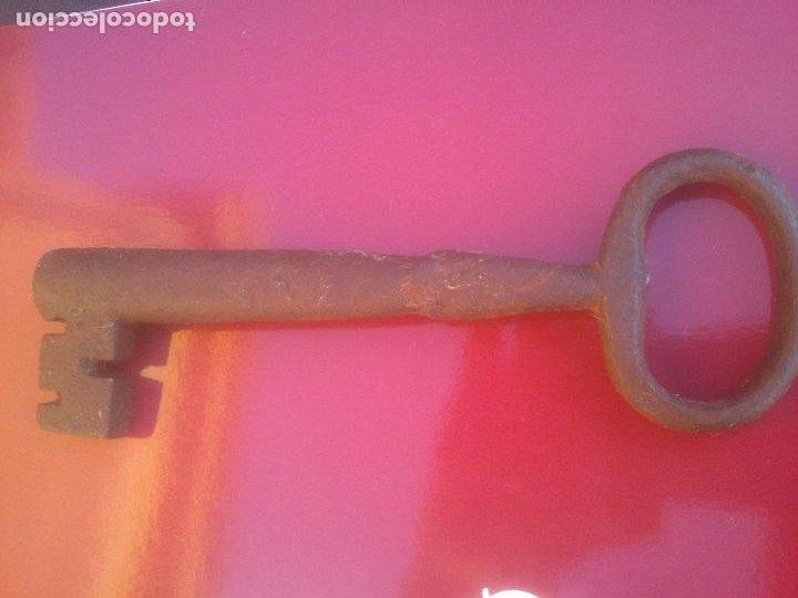 Antigüedades: ANTIGUA LLAVE HUECA DE FORJA .17 CM - Foto 5 - 288409038