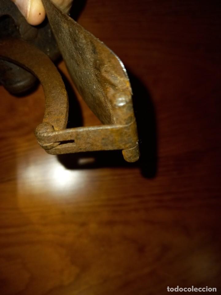 Antigüedades: CEPILLO CARPINTERO DE HIERRO Y FORJA PRINCIPIO SIGLO 19 PIEZA RARA, DE MUSEO ,ACEPTO OFERTAS - Foto 10 - 288568128
