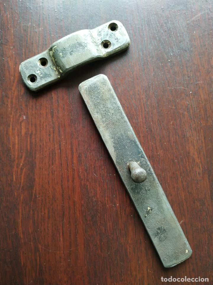 Antigüedades: Pestillo o pasador de portón de finales del XIX, consta de tres piezas pasador central - Foto 2 - 288677583