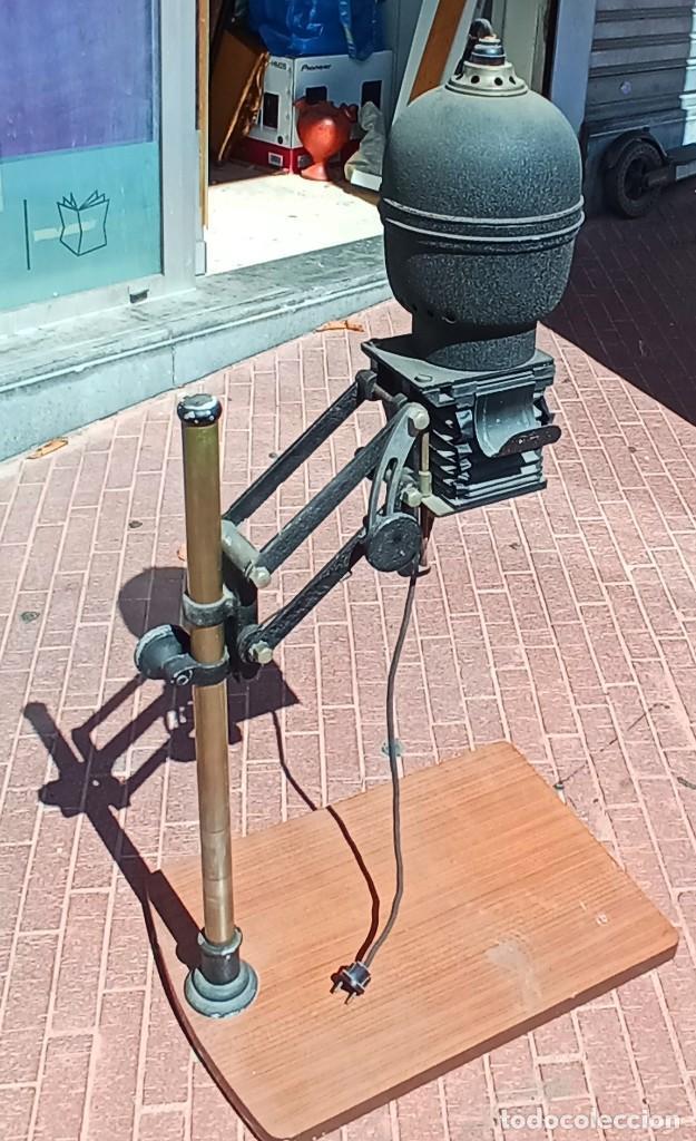 AMPLIADORA PARA FOTOGRAFIA MARCA CARRANZA COMPLETA , VER FOTOS (Antigüedades - Técnicas - Otros Instrumentos Ópticos Antiguos)