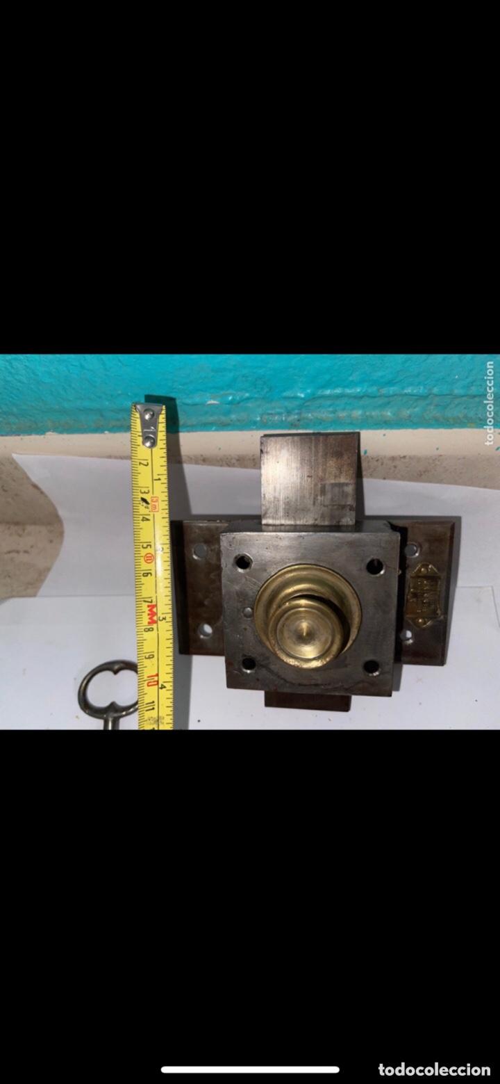 Antigüedades: ANTIGUA CERRADURA SIGLO XX CON LLAVE - Foto 4 - 288868058