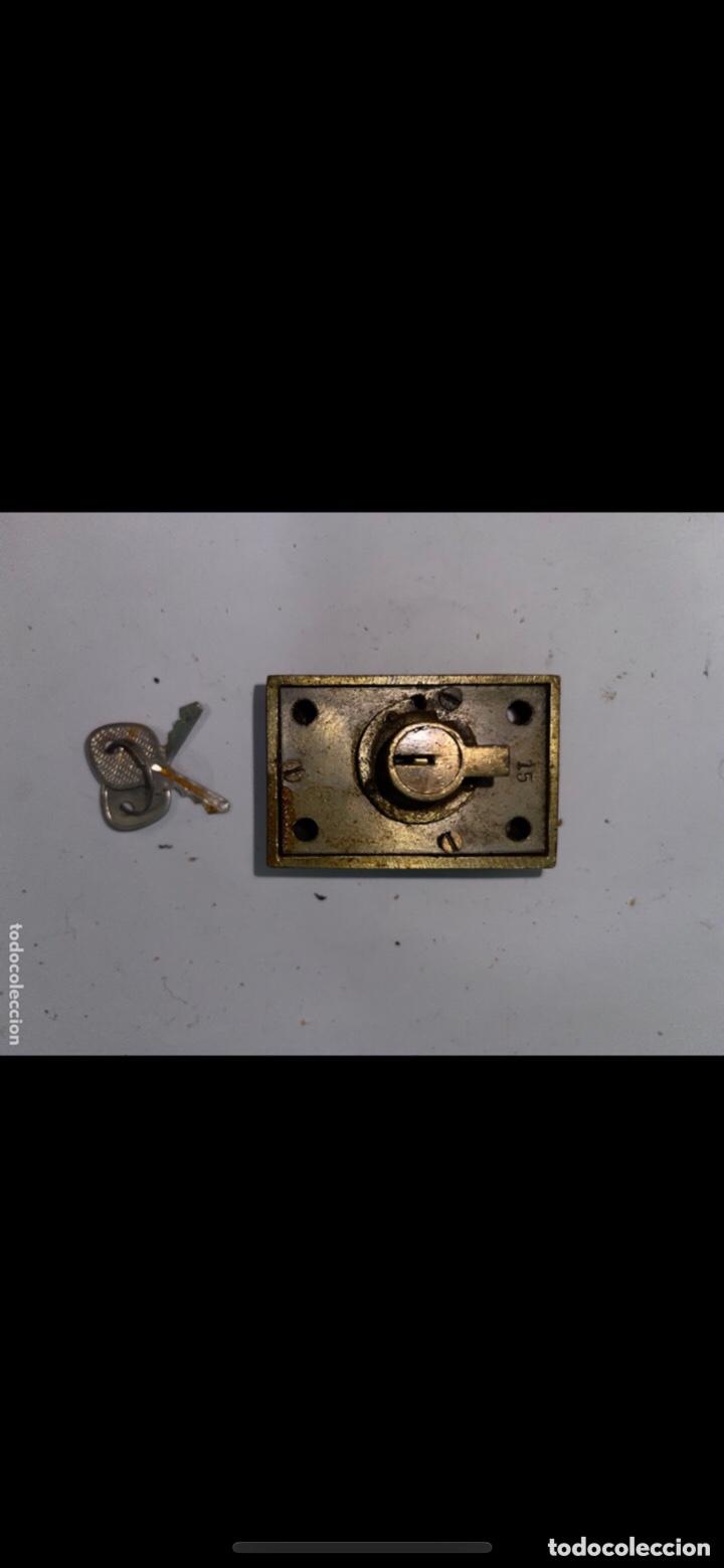Antigüedades: CERRADURA ANTIGUA PEQUEÑA CON DOS LLAVES - Foto 4 - 288877583