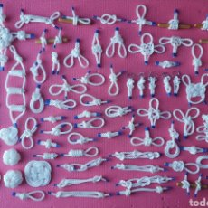 Antigüedades: COLECCION DE NUDOS MARINEROS CON APAREJOS PARA CUADRO DE NUDOS. Lote 288958548