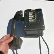 Teléfonos: TELÉFONO ANTIGUO DE MADERA CENTRALITA MEDIDA 16X12X10 CM. 5 BOTONES, FALTAN DOS ADORNOS EXTERIOR.. Lote 288987203