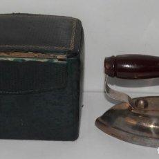 Antigüedades: PLANCHA ELECTRICA VINTAGE. Lote 289012553