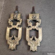 Antigüedades: ESPECTACULAR PAREJA DE ALDABAS - LLAMADORES DE PUERTA DE BRONCE. Lote 289016793