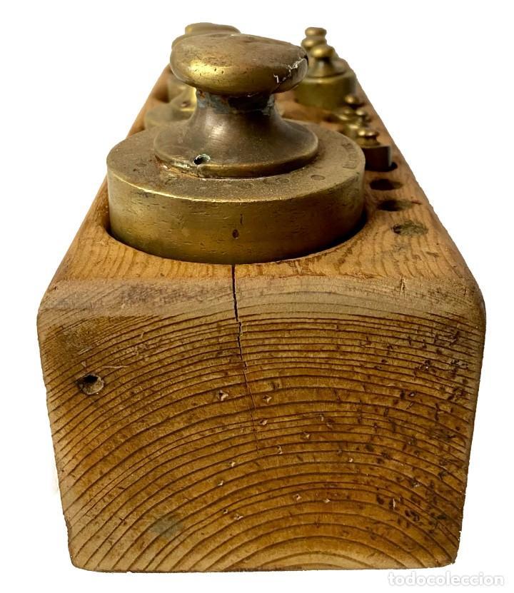 Antigüedades: Antiguo conjunto de pesos de bronce para balanza. Ponderales. Restaurado. 25x10x8 - Foto 4 - 288157393