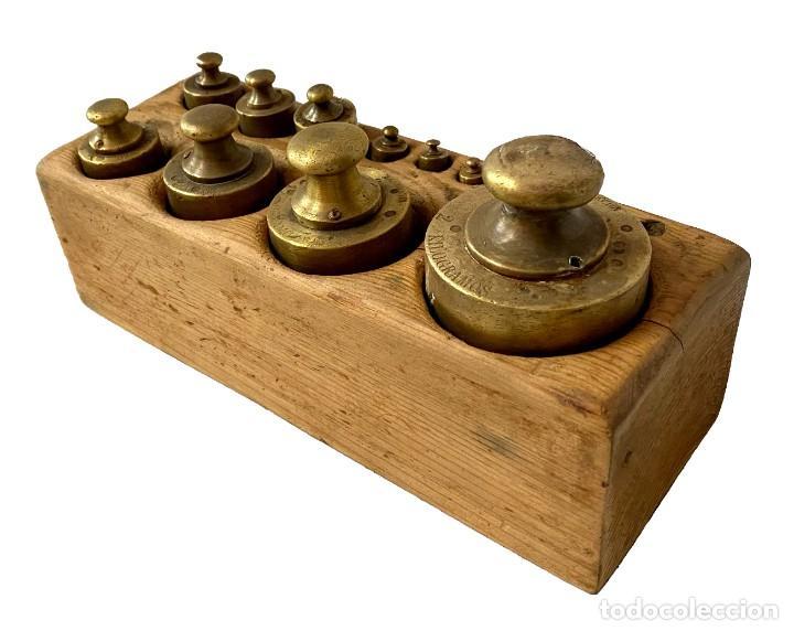 Antigüedades: Antiguo conjunto de pesos de bronce para balanza. Ponderales. Restaurado. 25x10x8 - Foto 2 - 288157393