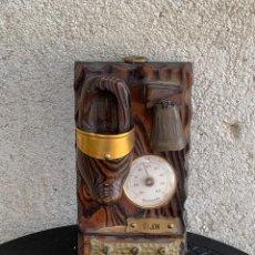 Antigüedades: TERMOMETRO COLGADOR MADERA GIJON 19X10X7CMS. Lote 289237453