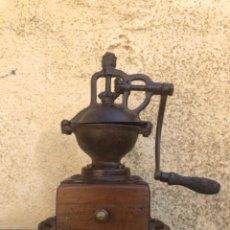 Antigüedades: ANTIGUO MOLINILLO DE CAFÉ PEUGEOT. RECIÉN RESTAURADO, ESTÁ PRECIOSO.. Lote 49825075