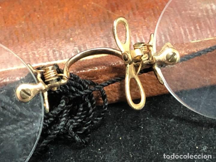 Antigüedades: Gafas antiguas de colección, montura de oro 12 K, siglo XIX, estuche de piel. Tipo Quevedo - Foto 3 - 289538323