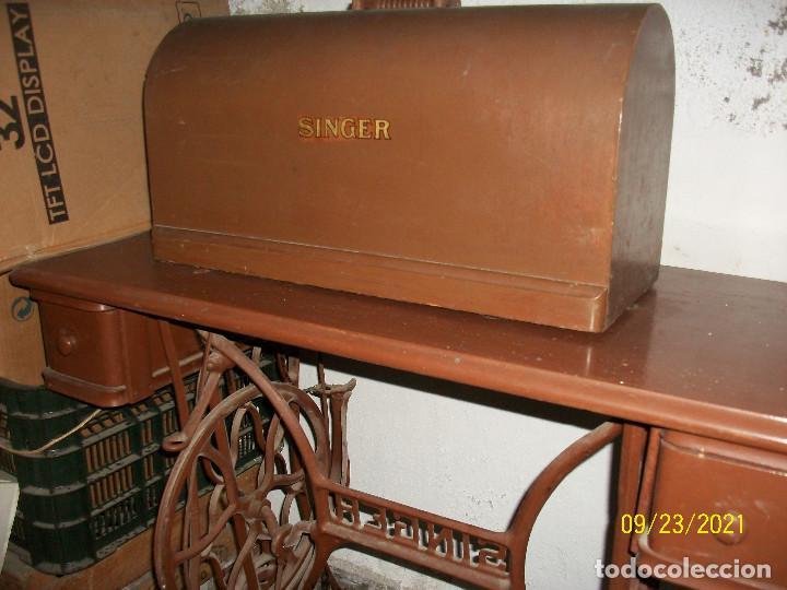 Antigüedades: ANTIGUA MAQUINA DE COSER SINGER-COMPLETA-AÑO 1926 - Foto 2 - 289562618