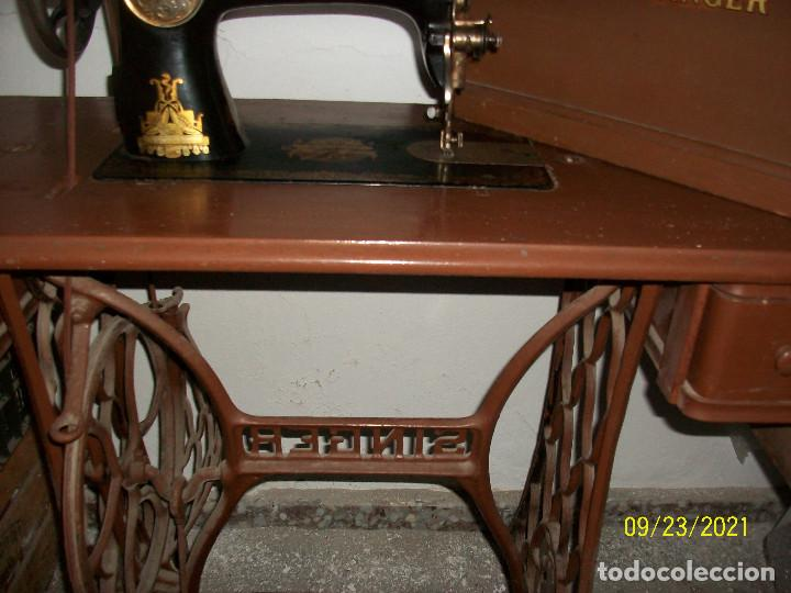 Antigüedades: ANTIGUA MAQUINA DE COSER SINGER-COMPLETA-AÑO 1926 - Foto 14 - 289562618