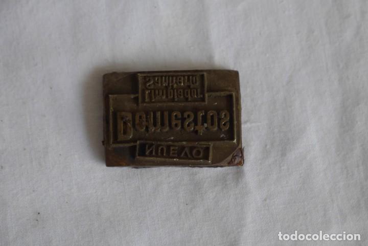 Antigüedades: Sello tampón de impresión en bronce Domestos - Foto 2 - 289590628