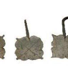 Antigüedades: 9 CLAVOS GÓTICOS DE HIERRO FORJADO, RESTAURADOS Y RESCATADOS. 5X5X10 CM. XV. ÚNICOS.. Lote 288156158