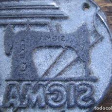 Antigüedades: IMPRENTA - GRABADO METAL Y MADERA - REF. 558 - SIGMA MAQUINA COSER. Lote 290295603