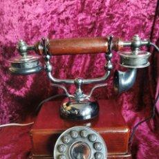 Teléfonos: REPRODUCCIÓN DE TELÉFONO ANTIGUO DE MADERA. AÑOS 90.FUNCIONA. Lote 291593308