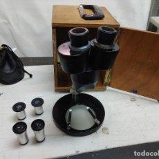 Antigüedades: MICROSCOPIO FABRICADO EN ESPAÑA BOBES INSTRUMENTOS CIENTIFICOS MADRID ALGUNA FALTA. Lote 293174428