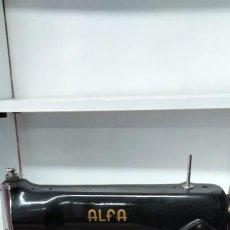 Antigüedades: MAQUINA DE COSER ALFA. Lote 293701743