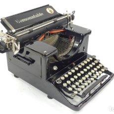 Antigüedades: ANTIGUA MAQUINA DE ESCRIBIR DEMOUNTABLE AÑO 1925 TYPEWRITER SCHREIBMASCHINE. Lote 294438993