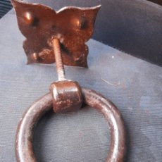 Antigüedades: ANTIGUA ALDABA TIRADOR DE PUERTA. Lote 294555553