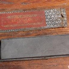 Antigüedades: ANTIGUA PIEDRA DE AFILAR CRYSTOLON NORTON ABRASIVES OILSTONE. Lote 294862788