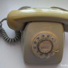 Teléfonos: TELEFONO DE SOBREMESA AÑOS 60, MARCACIÓN CON DISCO GIRATORIO.. Lote 295035603