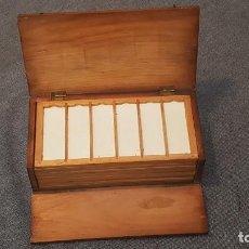 Antigüedades: MICROSCOPIO. ANTIGUA CAJA PARA PREPARACIONES MICROSCOPICAS C.1900. Lote 295625313