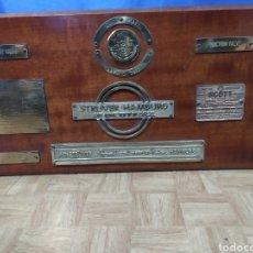 Antigüedades: CUADRO DE PLACAS DE BARCO CON TERMÓMETRO. Lote 295638383