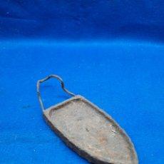 Antigüedades: ANTIGUO CALENTADOR DE PLANCHAS DE CARBÓN DEL SIGLO XIX. Lote 295734813