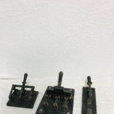 Antigüedades: LOTE DE 3 INTERRUPTORES/FUSIBLES ANTIGUOS DE PALANCA!. Lote 295747128