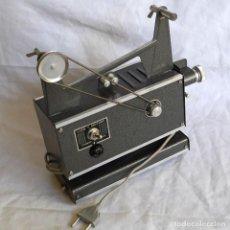 Antigüedades: PROYECTOR DE PELÍCULAS DE 8 MM CINE MAX K2 ITALIA. Lote 295980418