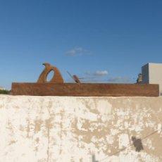 Antigüedades: ENORME GARLOPA O CEPILLO DE CARPINTERO O EBANISTA, EN MADERA MUY PESADA, 88,5CM, 5800GR. Lote 296713623