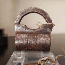 Antigüedades: CANDADO ANTIGUO DE FORJA. Lote 296815883