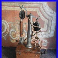 Teléfonos: ANTIGUO TELEFONO CON AURICULAR DE MADERA DE ROBLE. Lote 296840838