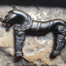 Antigüedades: ANTIGUA ASA DE PLANCHA ZOOMORFA DE BRONCE - CABALLO -. Lote 297111013