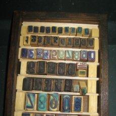 Antigüedades: IMPRENTA - LETRAS DE CAUCHO - DE UN AMIGO - NUMEROS - MUY ANTIGUO - REF G5. Lote 297154483
