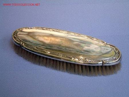 CEPILLO EN METAL PLATEADO - PP. S. XX - (Antigüedades - Platería - Bañado en Plata Antiguo)
