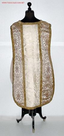 ANTIGUA Y PRECIOSA CASULLA DE SEDA BORDADA - ROPA RELIGIOSA DE CEREMONIA - IGLESIA - SACERDOTE - MIS (Antigüedades - Religiosas - Casullas Antiguas)