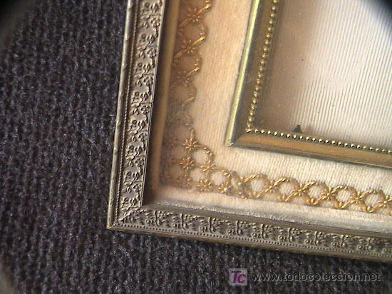 Antigüedades: PORTARETRATOS DOBLE DE BRONCE Y TELA. SIGLO XIX. MIDE 21 CM. X 16 CM. - Foto 2 - 3225831