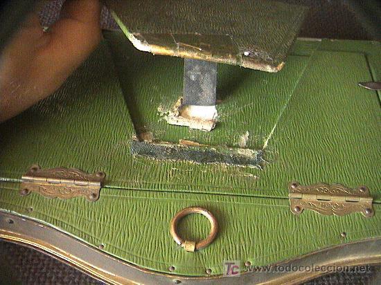 Antigüedades: PORTARETRATOS DOBLE DE BRONCE Y TELA. SIGLO XIX. MIDE 21 CM. X 16 CM. - Foto 6 - 3225831