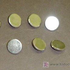 Antigüedades: LOTE DE 9 BOTONES METALICOS DORADOS ANTIGUOS. Lote 26941050
