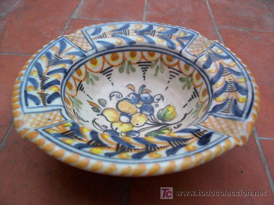 BONITO CENICERO DE TALAVERA (Antigüedades - Porcelanas y Cerámicas - Talavera)