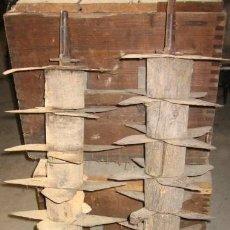 Antigüedades: PAREJA DE RUEDAS? DE TRILLO. Lote 10556645