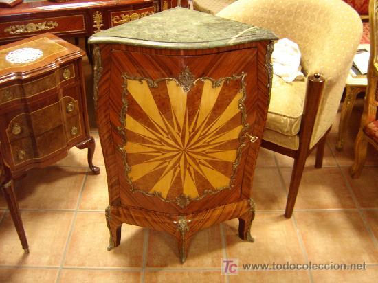MUEBLE RINCONERO CON MARQUETERIA (Antigüedades   Muebles Antiguos    Revisteros Antiguos)